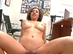Charming whore Stephani Moretti gets messy facial