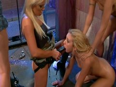 Cindy Crawford, Cassie Courtland, Katie Rae, Kelly Wells and Deja Dare in hot and zesty lesbian orgy