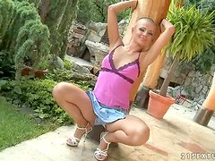 Sinead the nasty bald babe stretches and fingers herself