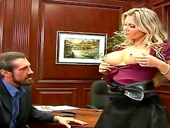 Crazy and really hardcore action with Ana Nova and Reno in the office