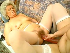 Horny old pussy eater Francesca Erlene polishes the whore's twat