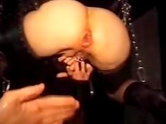 Some sadomaso anal glory for a petite hottie