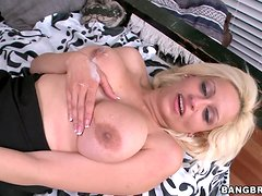 Busty blond milf could not stand the seductions