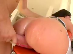 Chick has an amazing ass to fuck