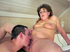 Short haired chubby brunette granny with natural hanging knockers gets