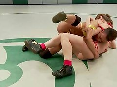 Nikki Darling vs. Audrey Rose in A Smut sensuous feather weight BONUS!